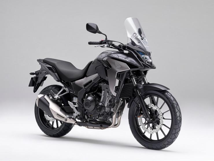400Xがスタイル一新とフロントを19インチ化などのモデルチェンジ