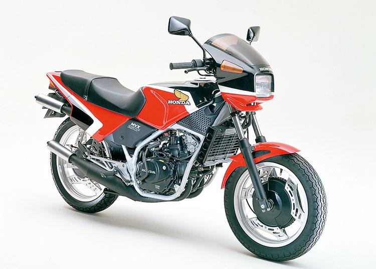 MVX250F モンツァレッド×ブラック