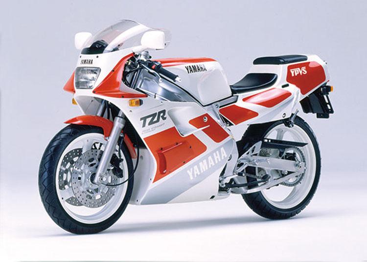 TZR250(3MA) シルキーホワイト×ファインレッド