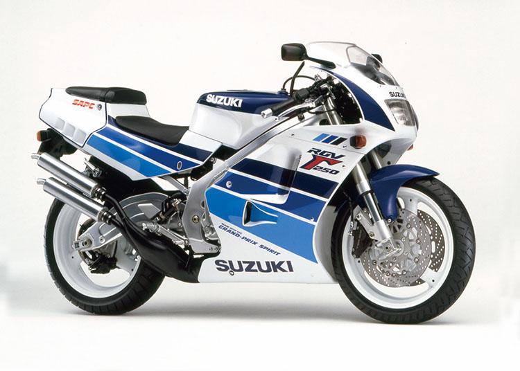 RGV250Γ ブルー・ホワイトツートン