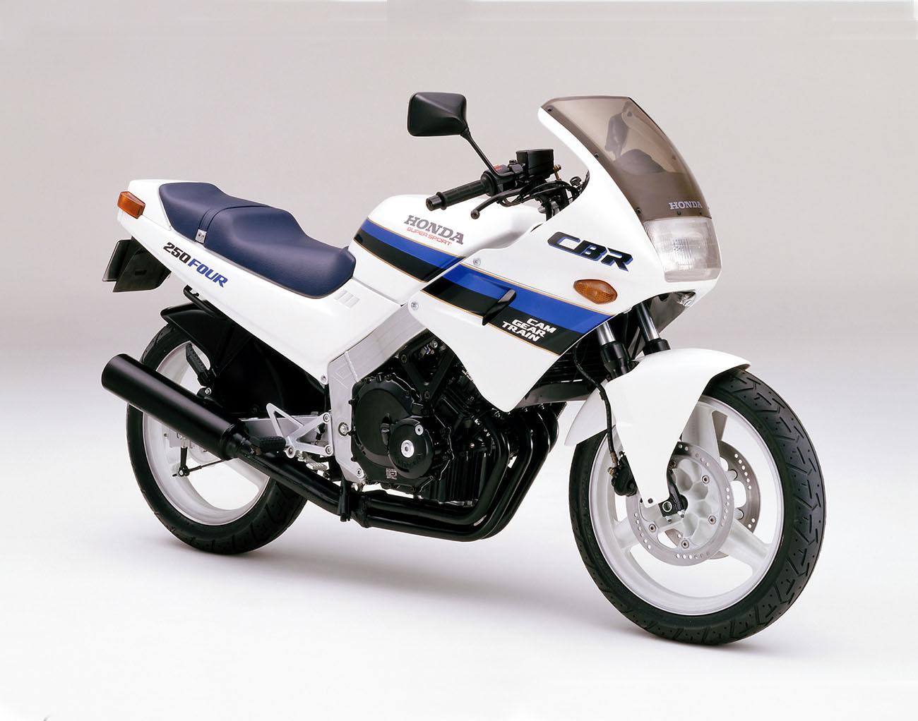 CBR250FOUR(MC14) シャスタホワイト
