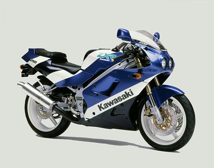 ZXR250(A2) ソニックブルー×メタリックノクターンブルー×パールアルペンホワイト