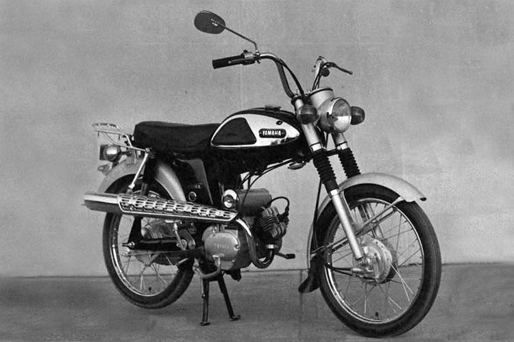 1967年 YAMAHA F5-S