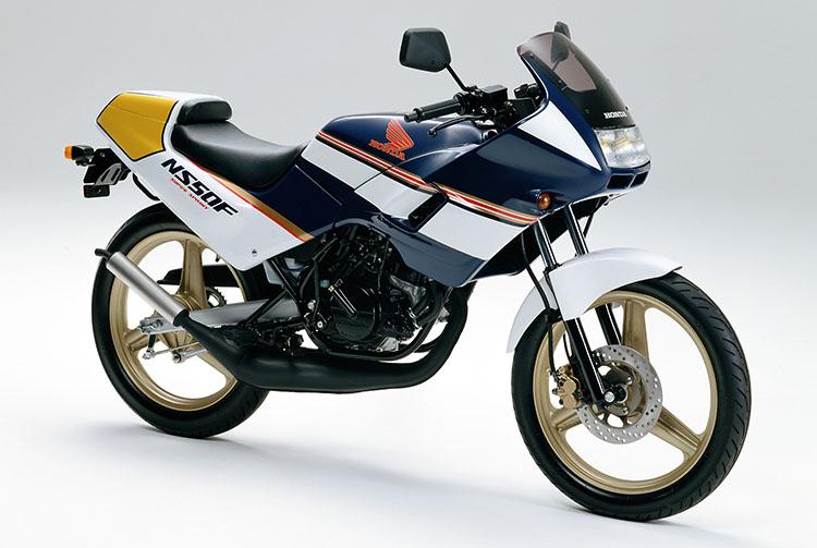 1989年1月 NS50F ロスマンズカラー