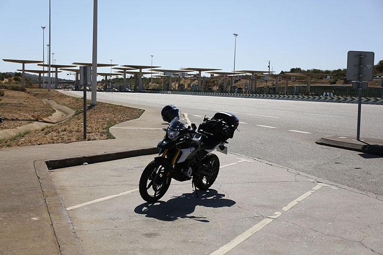 スペイン国境から高速A22号線をポルトガル南西部まで進んだ所にある料金所。