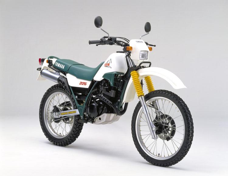 1986年1月 セロー225(1KH)ホワイト×フォレストグリーン