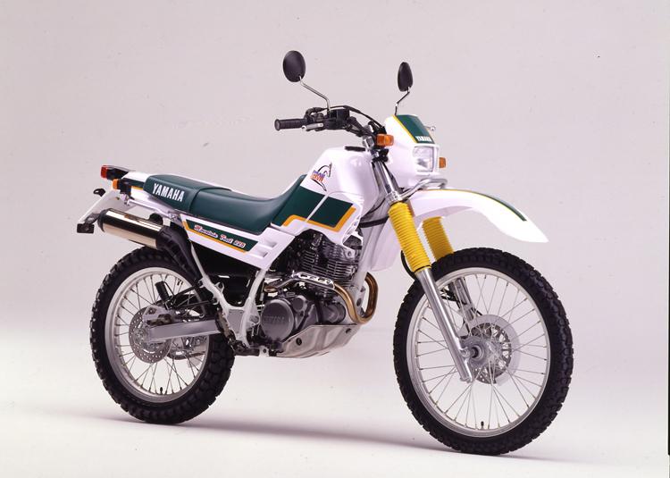1993年6月11日 セロー225W(4JG1)パープリッシュホワイトソリッド1×フォレストグリーン
