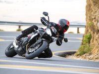 トライアンフモーターサイクルズジャパンが新型STREET TRIPLE R LOWを発表