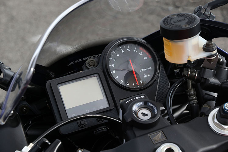 2000 CBR900RRメーター