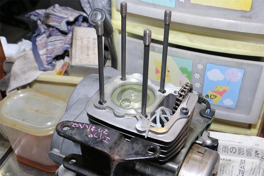 灯油と2ストオイル溶液を注射器で注入して測定