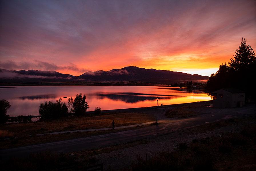 デカポ湖の夜明け